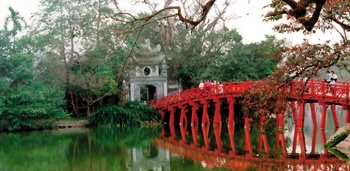 CHARMING & HISTORIC HANOI