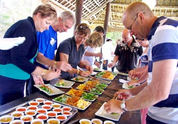 HOI AN - THE AMAZING DISCOVERY ABOUT CUISINE